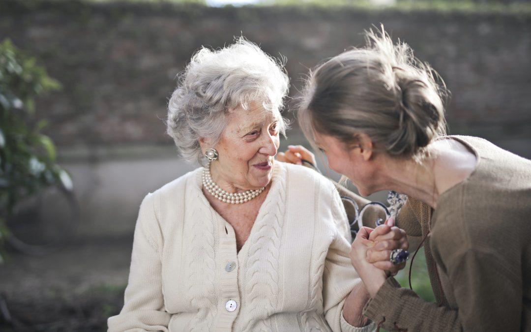 Vitadom - Auxiliaire de vie - Assistante de vie - assistant personne âgée - Maintenance à domicile - Accompagnement personne âgée - Bergerac - Toulouse - Agen - Corrèze