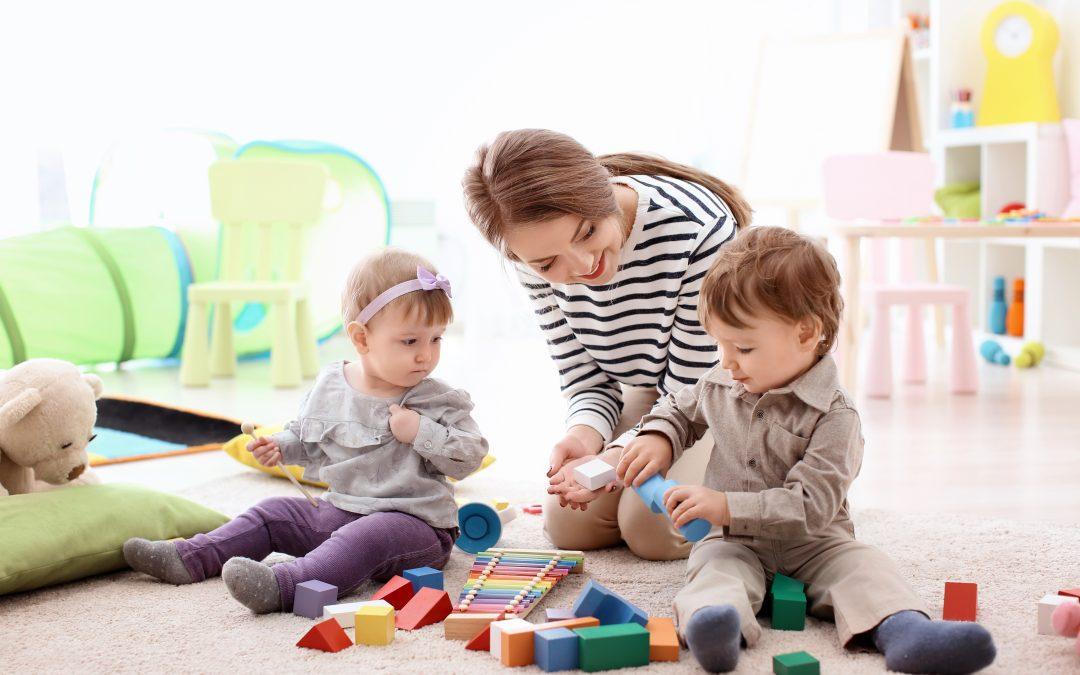 Vitadom - Garde d'enfant a domicile - Garde d'enfants - Baby sitting - Baby sitter - Nounou - Nounou à domicile - Périgueux - Tulle - Agen - Toulouse
